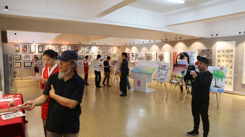我院第二届大学生艺术节开幕