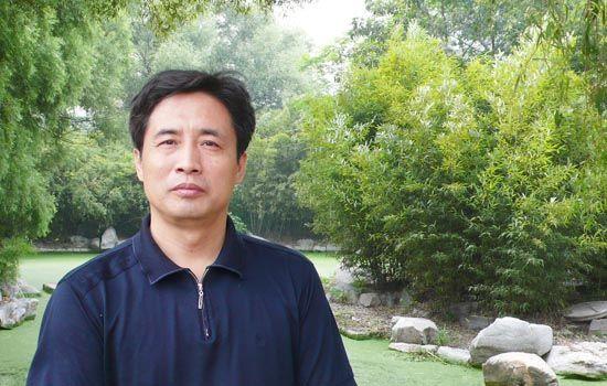 1990级优秀校友:山东省陶瓷艺术大师张志朴
