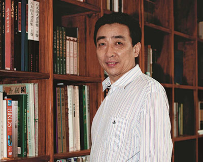 1989级校友文化部中国艺术研究院研究员邓远坡