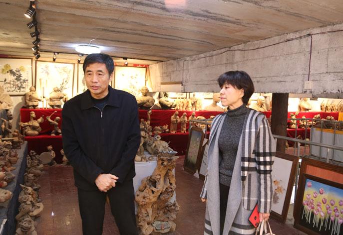 山东省工艺美术协会袁敏会长莅临我院指导